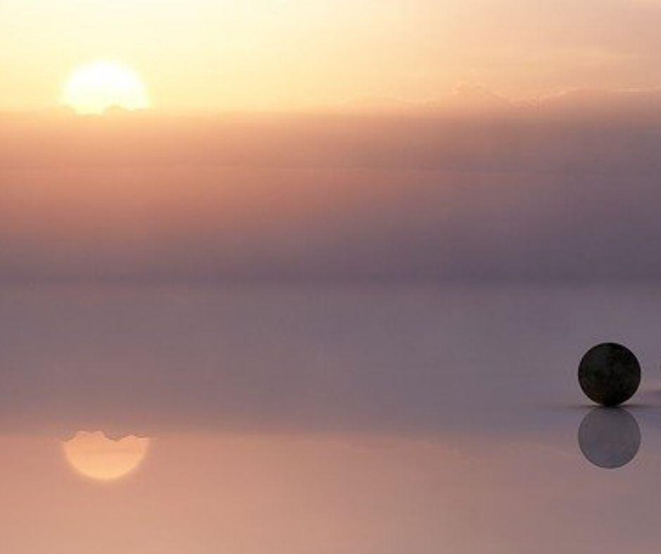 Sonnenuntergang und Steine - Spiegelbild